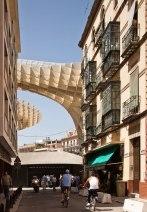 Metropol parasol_vista calle aledaña
