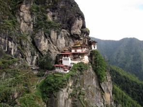 Monasterio colgado en Bhutan