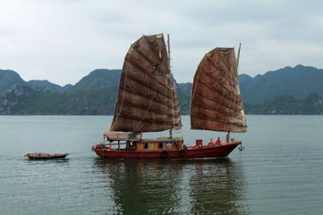 Bahía de Ha-Long_junk 1