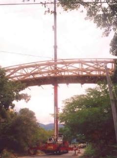 Bambú_construcción-izado puente 3
