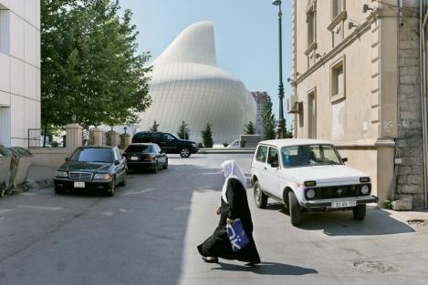 Centro Cultural Heydar Aliyev -Entorno 02
