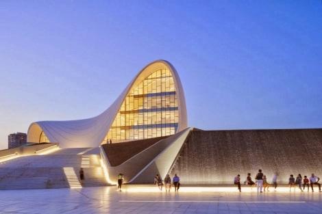 Centro Cultural Heydar Aliyev - plaza 01