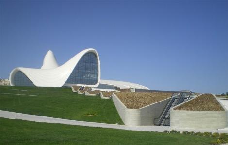 Centro Cultural Heydar Aliyev - plaza 02